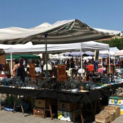 Antiquitätenmarkt Nizza M.